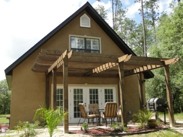 New pergola! Now screened and covered. - FL Lakefront Mediterranean Style Cottage, Ncentral - Hawthorne - rentals