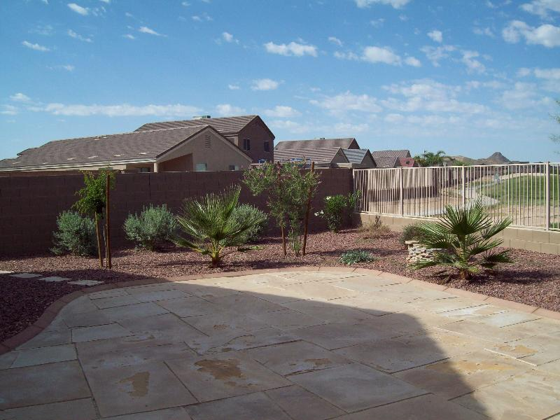 South-west Flagstone patio with on golf course - Golf Course Rancher/Bungalow Home, Florence, AZ - Florence - rentals