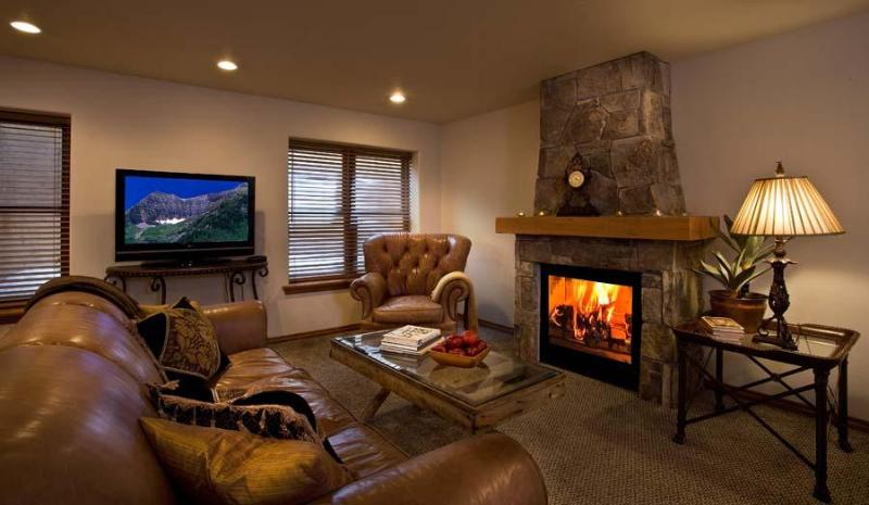 "2 Bedroom Condo 4 blocks from the ""Town Lift"" - Image 1 - Park City - rentals"