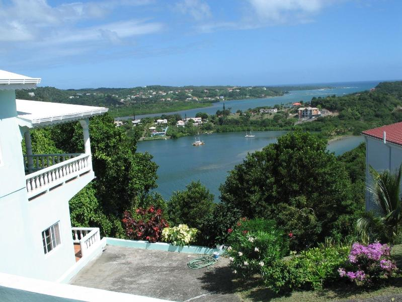 Welcome to Vista Linda located on Bayview Dr, Fort Jeudy, St. George's, Grenada. A view to die for! - Vista Linda - spectacular ocean view in Grenada - Grenada - rentals