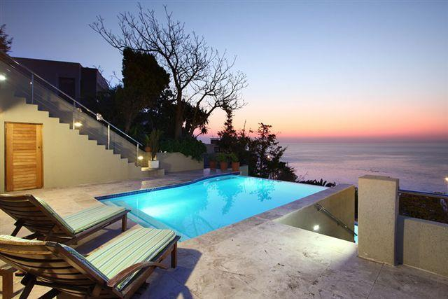 Private swimming pool - Camps Bay 2 BR Penthouse Apt 5 Min Walk to Beach - Camps Bay - rentals