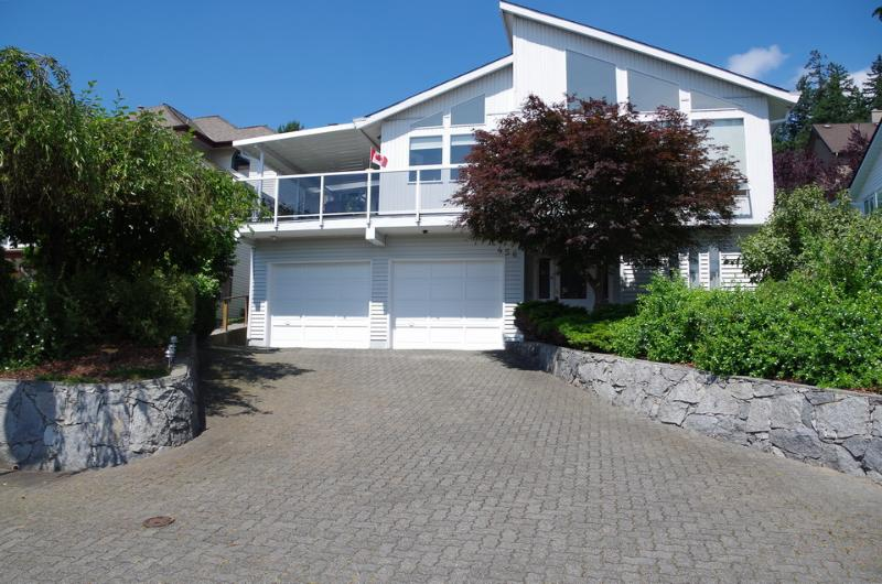 On The Crescent - Convenient and Quiet Suite in Riverview Heights - Coquitlam - rentals