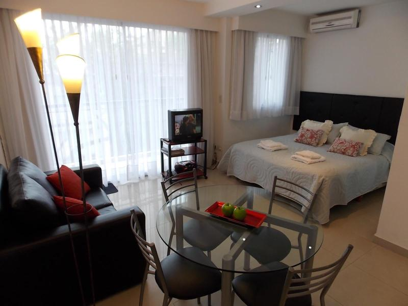 Palermo Hollywood, Great location, WIFI Big Studio - Image 1 - Buenos Aires - rentals