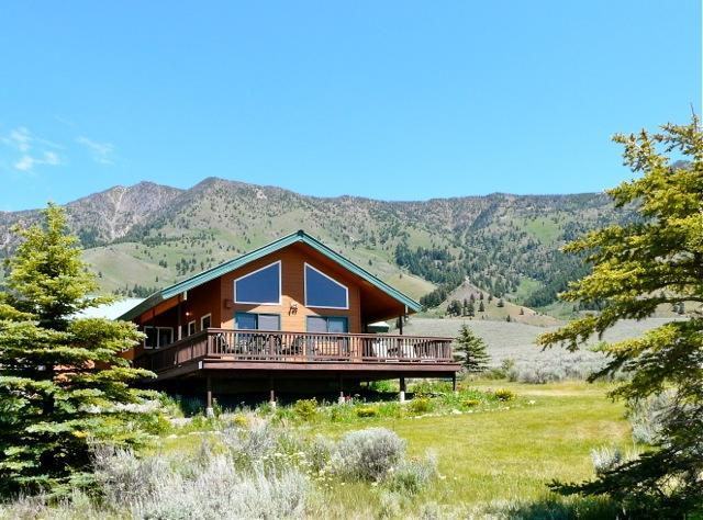 Lakeview CAbin with great views of Henry's Lake - 3 BR/2BA cabin with lake view close to Yellowstone - Island Park - rentals