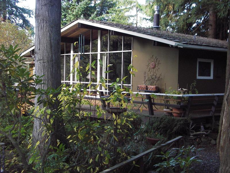 Beautifully Appointed Owner Managed Vacation Rental Retreat House - Beautiful Pet Friendly Vacation Home in Sequim, WA - Sequim - rentals