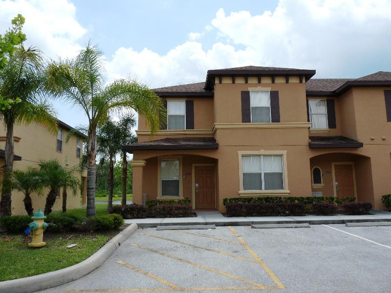 Front  - 4 Bedroom Townhome 3 Mile From Disney - Kissimmee - rentals
