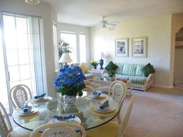 Dining area with seating for 6 - 5* Spacious Luxury 3BR Condo Disney/Golf Close By - Davenport - rentals