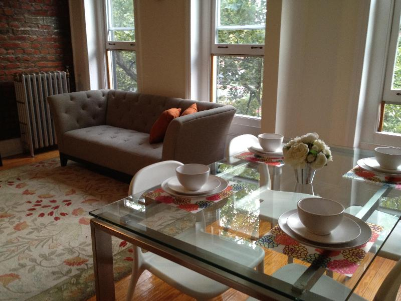 Comfortable Urban Living - 2-Bd Historic Brownstone in Beautiful Fort Greene - Brooklyn - rentals