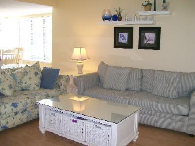 Gorgeous Courtside 3 Bedroom 1 Block To Beach - Image 1 - Hilton Head - rentals