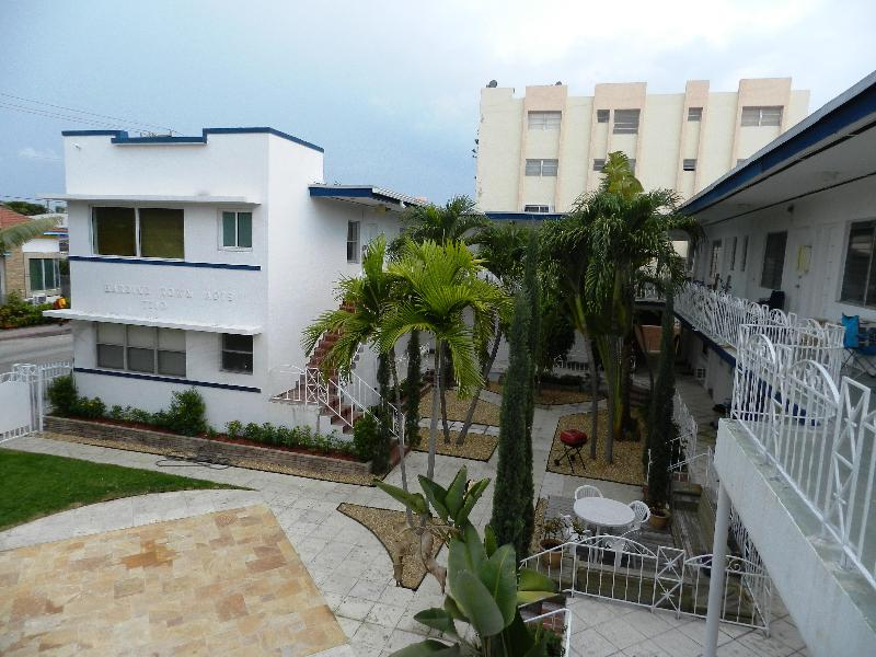 Gorgeous Furnished 1Bedroom-1 block from the ocean - Image 1 - Miami Beach - rentals
