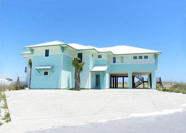This beautiful gulf front home features a private swimming pool, lots of deck space, covered parking and amazing views. - Avenida 13 - 303 - Pensacola Beach - rentals