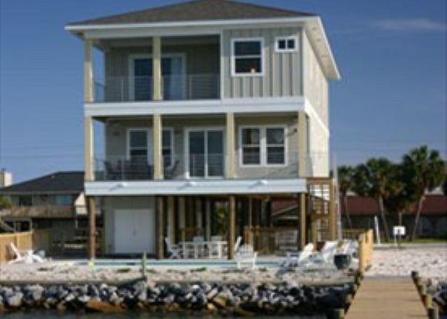This Sound front home has a solar heated pool and private pier. - Ensenada Uno 1715 - Pensacola Beach - rentals
