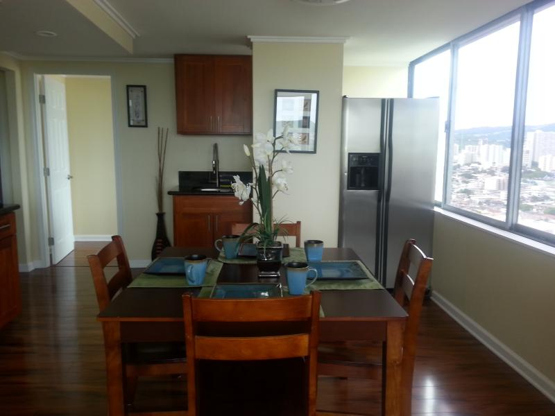One-Bedroom Vacation Rental at Hawaiian Monarch - Image 1 - Honolulu - rentals