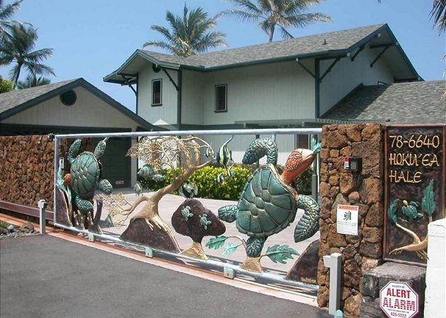 Famous Turtle Gate..truly a work of art to last forever! - HOKU'EA HALE  Oceanfront Private Home with famous Turtle Gate- New Addition! - Kailua-Kona - rentals
