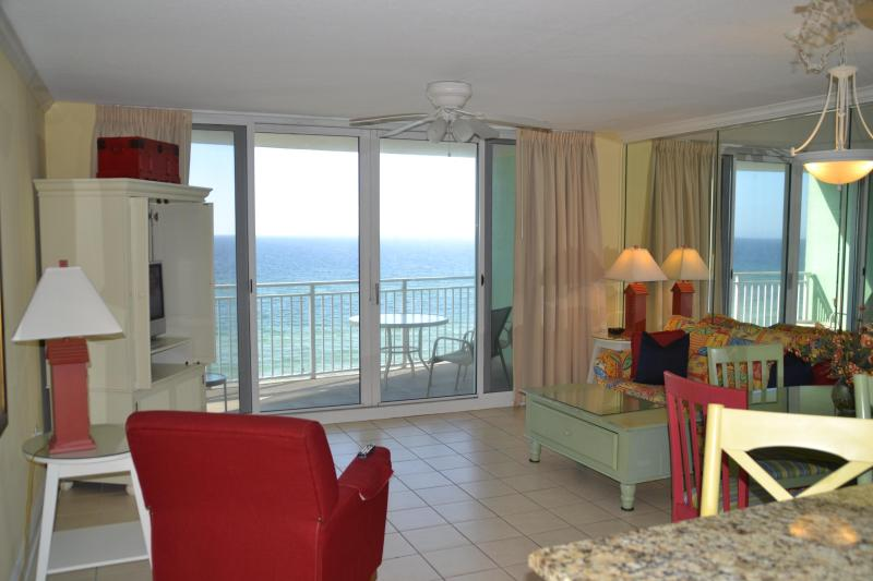 Large family room with queen sleeper - Luxury Beachfront $100 nt or $600 wk through Feb! - Panama City Beach - rentals