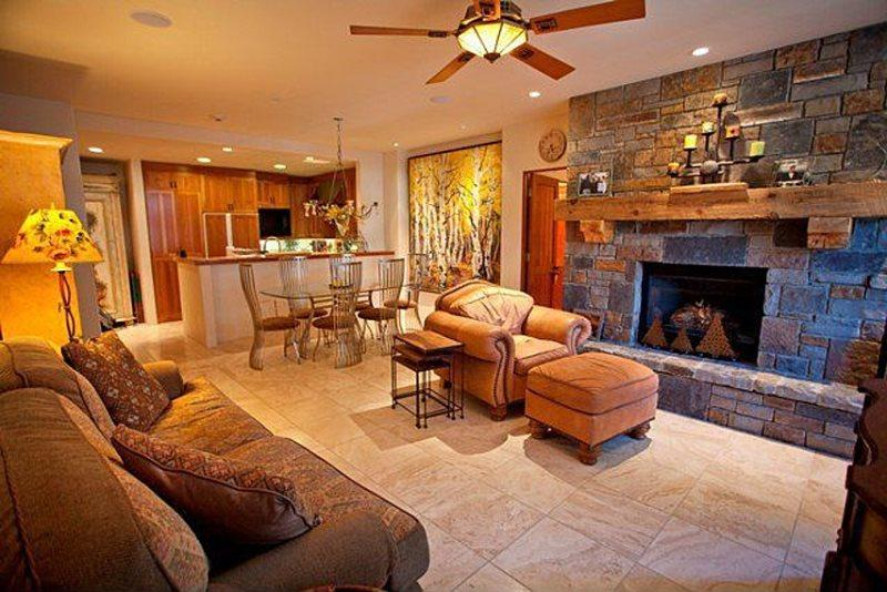 Granita 201- Living area with gas fireplace, open to kitchen area - Granita 201 - 2 Bd / 2 Ba - Sleeps 4 - Luxury Condo - True Ski In Ski Out - Ideal Mountain Village Core Location at the top of Lift 1 - Telluride - rentals