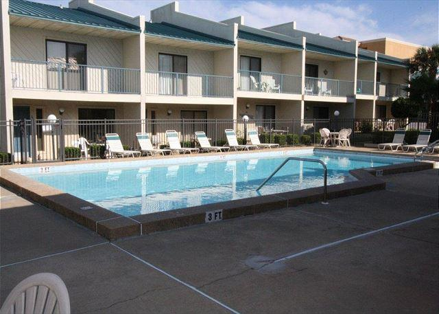 Gulf Winds East #17 Townhome ~Free Golf and Fishing~ - Image 1 - Miramar Beach - rentals