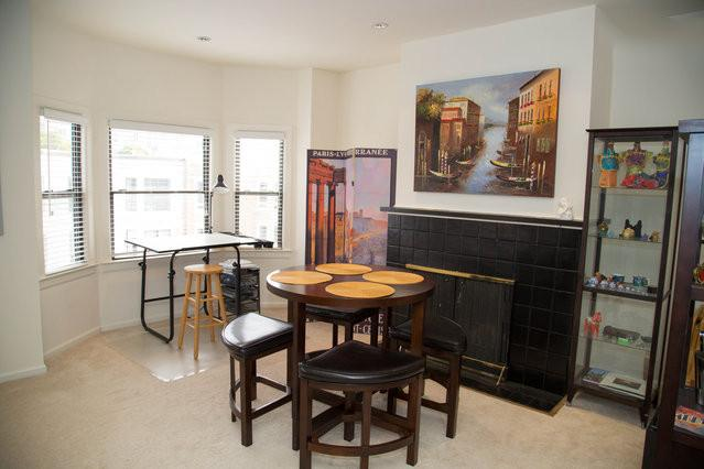 Great Table & Chairs to enjoy a glass of wine - Spacious 3rd Floor Flat - San Francisco - rentals