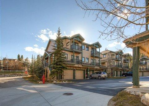 Twin Elk 2BR Ski-in/Shuttle-out Townhome ~ RA44204 - Image 1 - Breckenridge - rentals