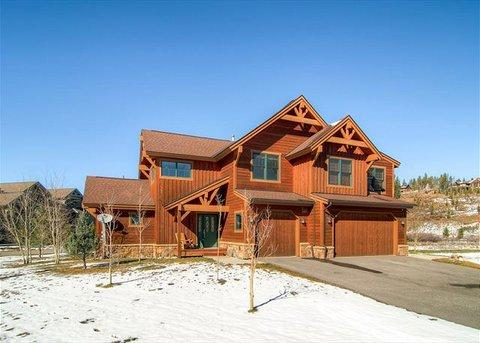 Highland Green 98 3BR With Private Hot Tub And Shuttle ~ RA44066 - Image 1 - Breckenridge - rentals