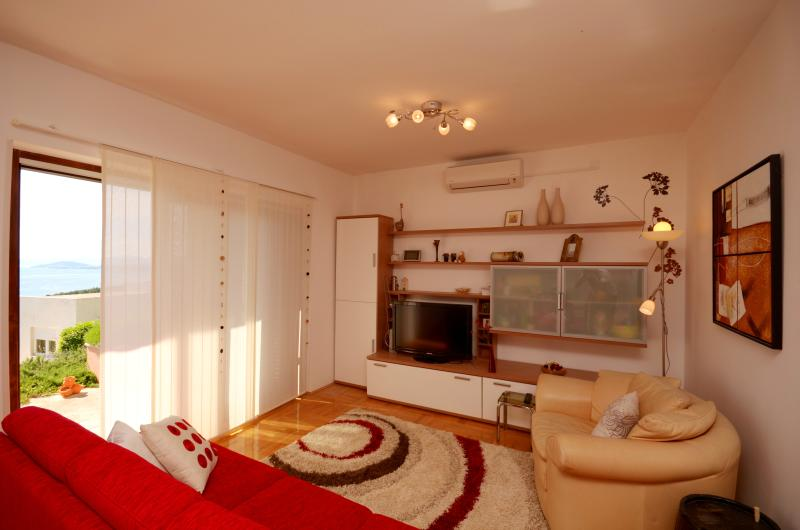 living room with a beautiful view - 3* 4+2 Apartment Smile Podstrana 100 square meters - Podstrana - rentals
