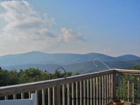 Top of The World HUGE Multi-Miles Views from many rooms and awesome deck  - Top of the World - Boone - rentals