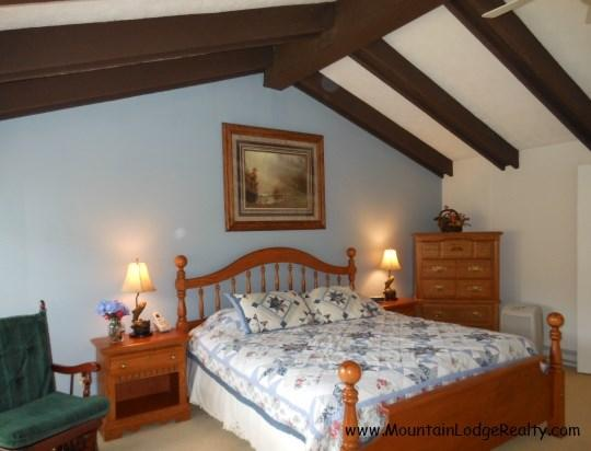 King Master Suite in Loft - Castletree - King Suite 1 - Castletree and Treehouse - Beech Mountain - rentals