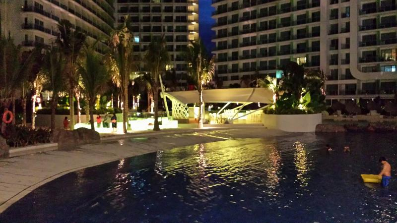 Azure Urban Resort Residences at night - A Tropical Paradise...right in your backyard - Paranaque - rentals