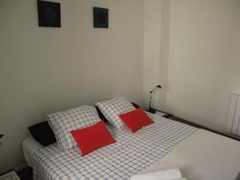 Bedroom - Nice Double Bedroom with private Bathroom Downtown! - Ciudadela - rentals