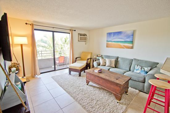 "Livngroom - 2Br ""Beach Cottage"" Condo - Kihei - rentals"