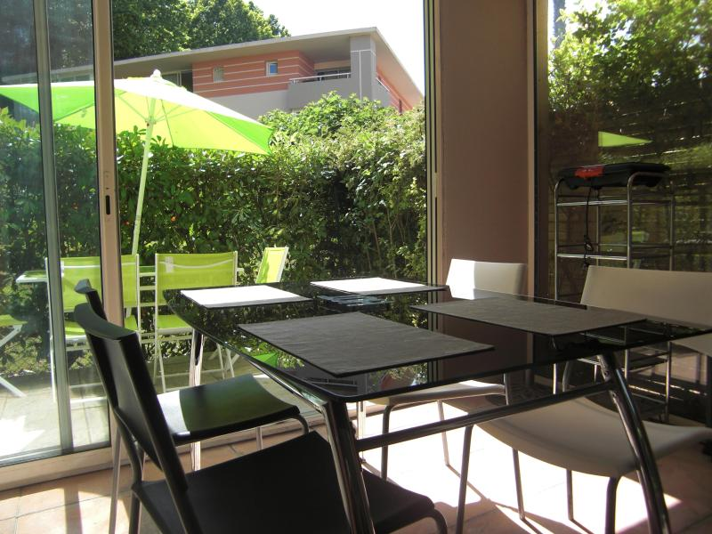 View of the veranda (where you will likely cook BBQ) - Stay at the heart of the French riviera - Cagnes-sur-Mer - rentals