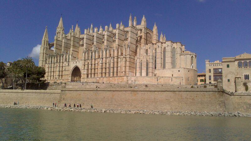 Cathedral of Palma. 5 minutes on foot - LONJA Apartment, heart of Old Town of Palma WIFI - Palma de Mallorca - rentals