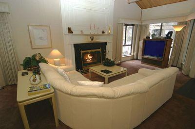 Living Room with Big Screen TV - Coeur Du Lac 27 - Incline Village - rentals
