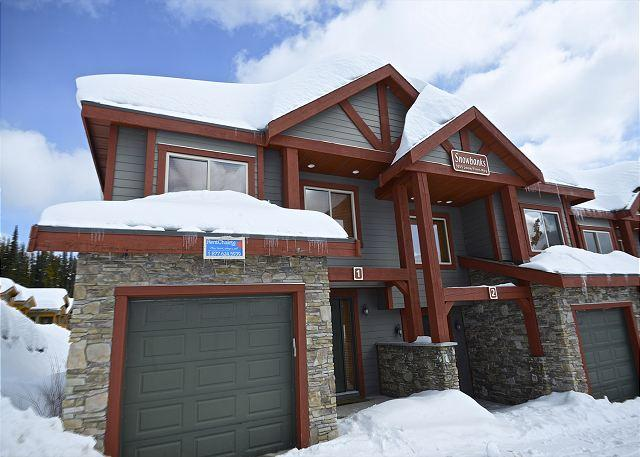 FRONT ENTRANCE - SnowBanks 1 Upper Snowpine Location Sleeps 11 - Big White - rentals