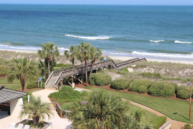 Captains Quarters D55 - Oceanfront - Image 1 - Pawleys Island - rentals