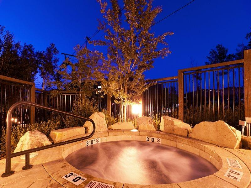2 Communal Hot Tubs at Arrowleaf  - Arrowleaf 2 Ski-In/Ski-Out at Deer Valley - Park City - rentals