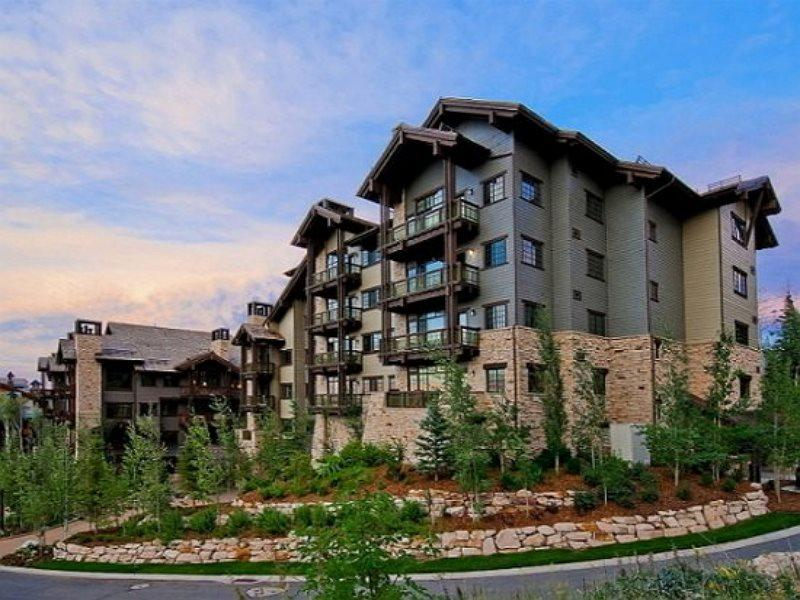 Arrowleaf Penthouse Ski-In/Ski-Out at Deer Valley Resort with Spectacular Views - Image 1 - Park City - rentals