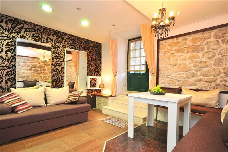 Modern Apartment in Renovated Stone House - Image 1 - Split - rentals
