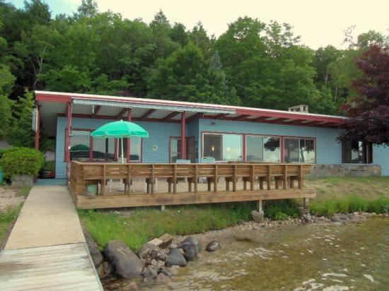 Lake View - Spacious Vacation Home on Crystal Lake! - Frankfort - rentals