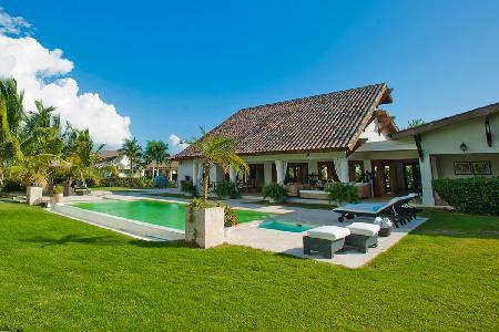 Villa Aqua - on Dye Fore Golf Course with Cook and Butler - Image 1 - Dominican Republic - rentals