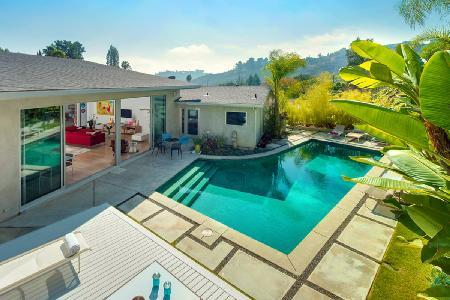 Lilypool - Discover Los Angeles in a Luxurious Villa with Private Swimming Pool - Image 1 - Hollywood - rentals