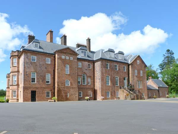 MEWS COTTAGE, WiFi, second sitting room, access to woodlands, Ref 29927 - Image 1 - Mauchline - rentals