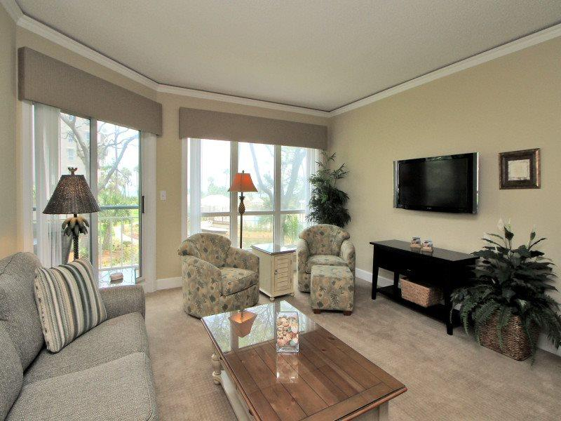 Living Room with Flat Screen at 3106 Windsor Court South - 3106 Windsor Court South - Hilton Head - rentals