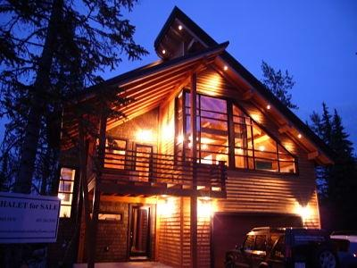 CHALET LUXE: Enjoy the timber frame structure and modern decor  - Chalet Luxe - Golden - rentals