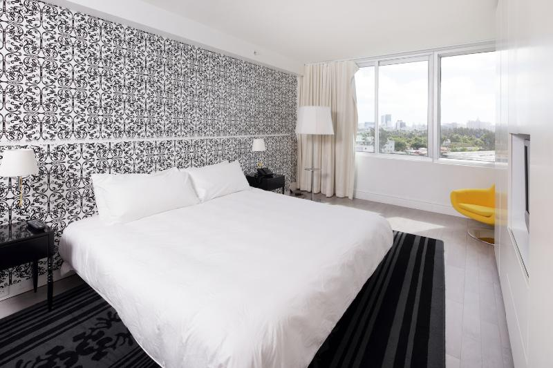 Stylish 1 Bedroom Apartment in South Beach - Image 1 - Miami - rentals
