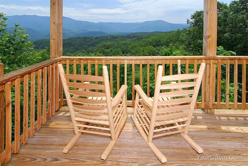 Top Of The Smokies Lodge Cabin - Image 1 - Gatlinburg - rentals