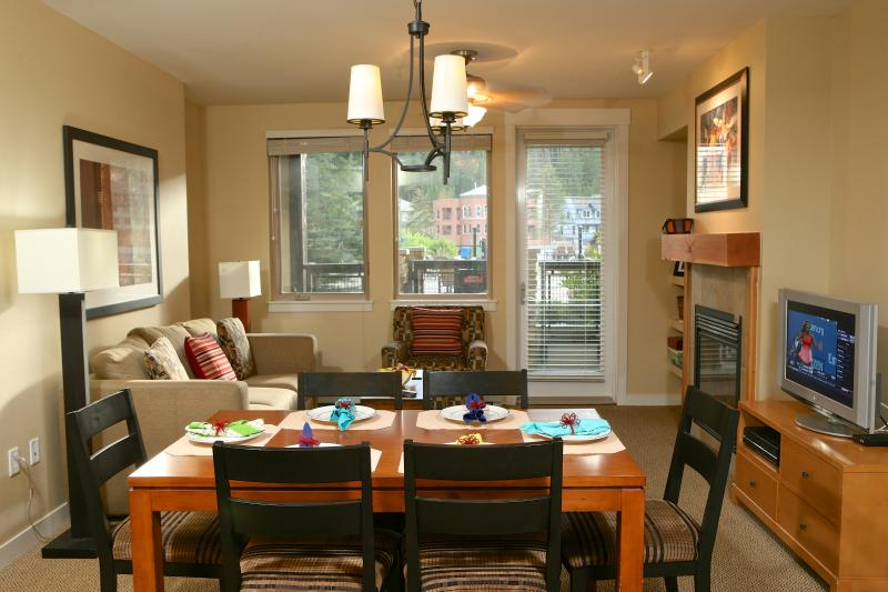 Founders Pointe 4357: Ski home for lunch at this modern & comfy condo at Winter Park Resort - Image 1 - Winter Park - rentals