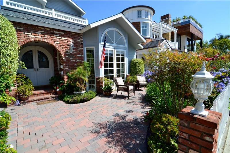 Charming Home only blocks to the beach - Image 1 - Newport Beach - rentals