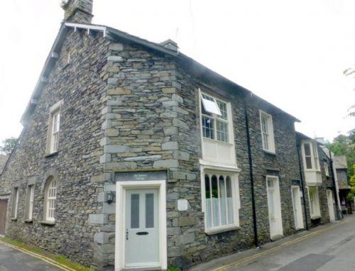 OLD BAKERS COTTAGE, Grasmere - Image 1 - Grasmere - rentals
