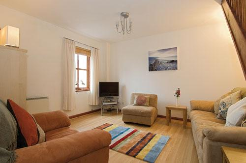 Child Friendly Holiday Home - Sandy Toes, Broad Haven - Image 1 - Broad Haven - rentals
